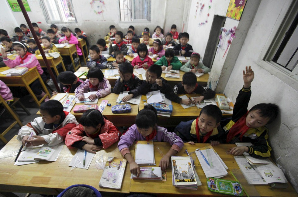 asian students and why they outperform in schools This may be the de facto reason why east asian reasons why asians outperform western students in education is of the utmost priority by asian schools and.