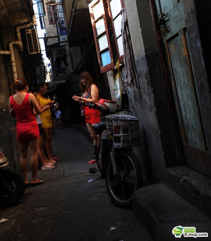 Толстые проститутки владивостока шлюхи